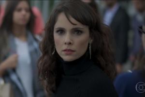 """Irene (Débora Falabella) em cena de """"A Força do Querer"""" (Foto: Reprodução/Globo)"""