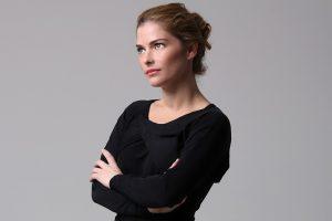 Ana Paula Tabalipa. Foto do site da O TV Foco que mostra Após rápida passagem pela Globo, Ana Paula Tabalipa retorna à Record