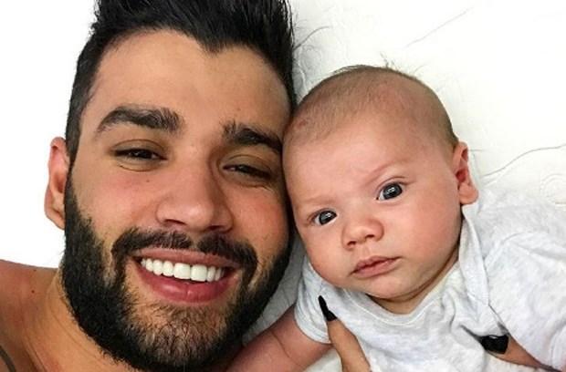 Gusttavo Lima e o filho (Foto: Divulgação)