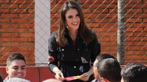 """A apresentadora Chris Flores no """"BBQ Brasil"""" (Foto: Gabriel Gabe/SBT)"""