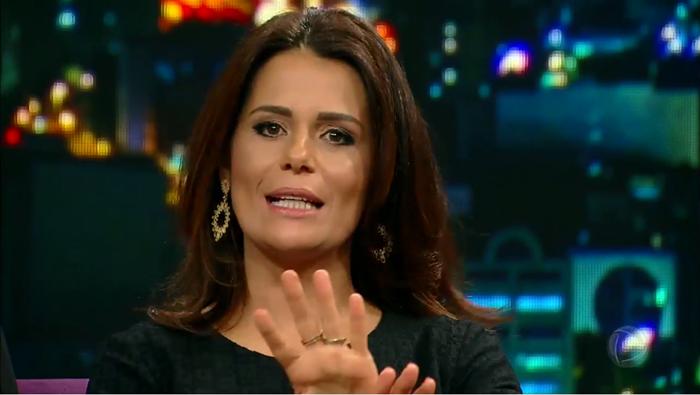 """Adriana Araújo, apresentadora do """"Jornal da Record"""" (Foto: Reprodução/Record)"""