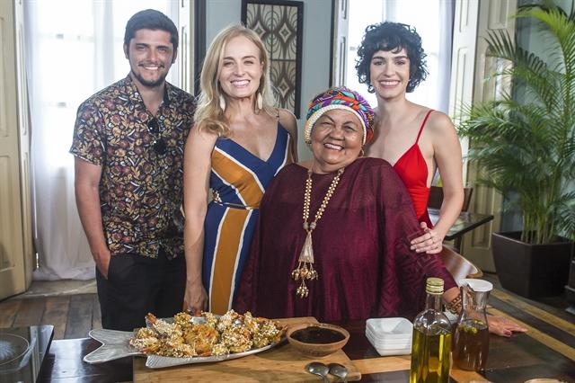 Bruno Gissoni, Angélica, Dona Onete e Maria Flor (Foto: Globo/Leandro Santana)