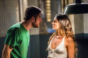 """Zeca (Marco Pigossi) e Ritinha (Isis Valverde) em cena de """"A Força do Querer"""" (Foto: Globo/João Miguel Júnior)"""