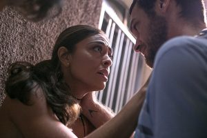 """Bibi (Juliana Paes) e Rubinho (Emílio Dantas) em cena de """"A Força do Querer"""" (Foto: Globo/Raquel Cunha)"""