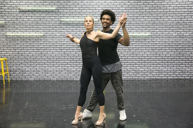 Adriane Galisteu no ensaio para a 'Dança dos Famosos' (Foto: Globo/Rafael Campos)