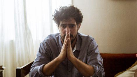 Renato (Renato Góes) em cena de 'Os Dias Eram Assim' (Foto: Globo/Mauricio Fidalgo)