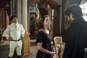 Pedro (Caio Castro), Domitila (Agatha Moreira) e Chalaça (Rômulo Estrela) em 'Novo Mundo' (Foto: Globo/Estevam Avellar)
