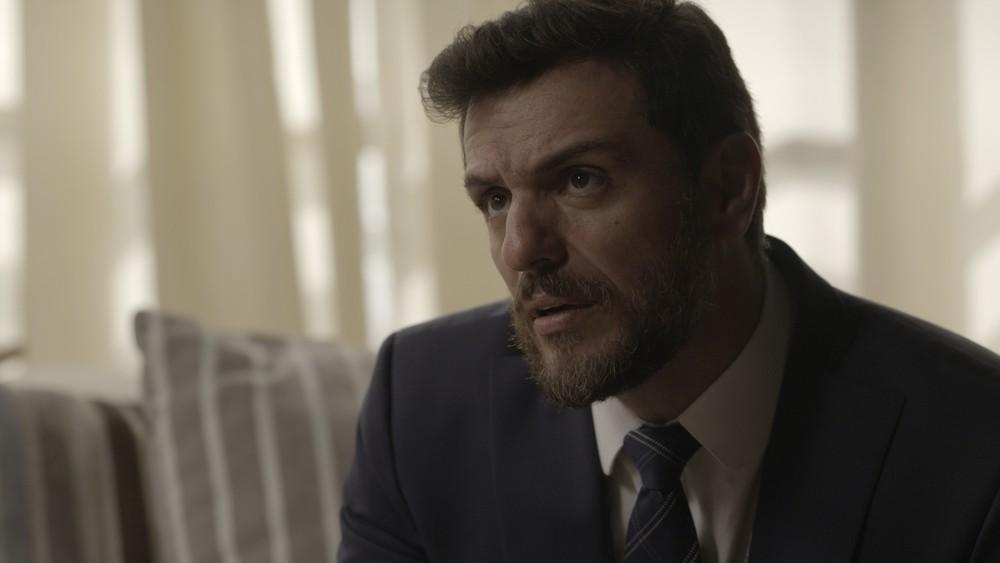 """Caio (Rodrigo Lombardi) em cena de """"A Força do Querer"""" (Foto: Divulgação/Globo)"""