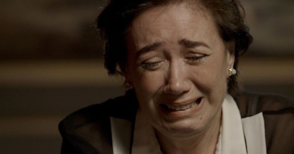 Silvana (Lilia Cabral) tem vida destroçada por vício em A Força do Querer (Foto: Reprodução/Globo)
