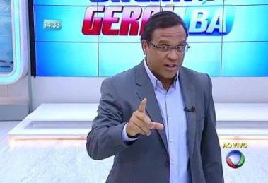 O apresentador José Eduardo Bocão no comando do Balanço Geral BA (Foto: Reprodução/Record)