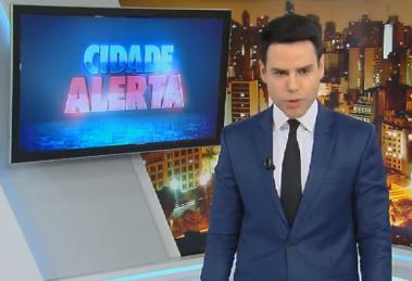 """Luiz Bacci no comando do """"Cidade Alerta"""" (Foto: Reprodução/Record)"""