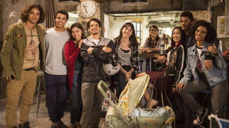 """Elenco de """"Malhação: Viva a Diferença"""" em bastidor de gravação (Foto: Globo/Mauricio Fidalgo)"""