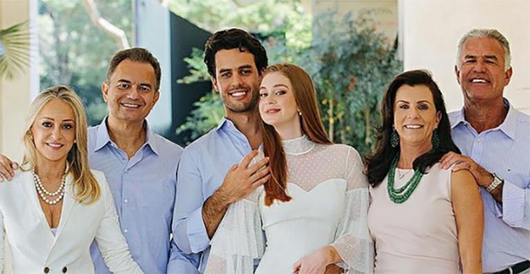Marina Ruy Barbosa e família do marido (Foto: Divulgação)