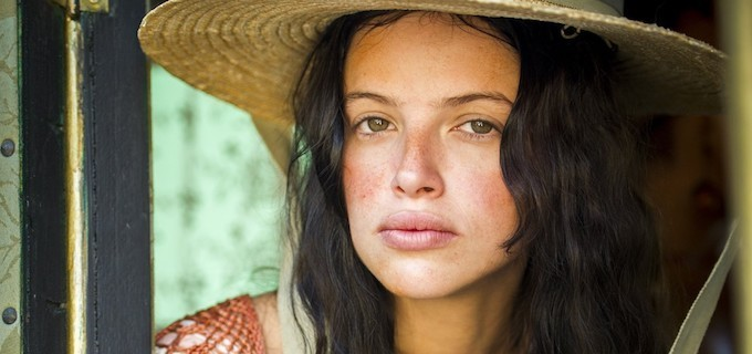 A atriz Agatha Moreira caracterizada como Domitila na trama de Novo Mundo