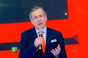 O jornalista Paulo Henrique Amorim era contratado da Record e possuía discordância com o presidente Jair Bolsonaro (Foto: Reprodução/Record)