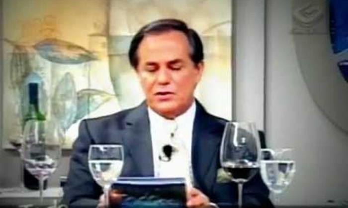 """Ronnie Von no """"Todo Seu"""". (Foto: Reprodução/YouTube)"""