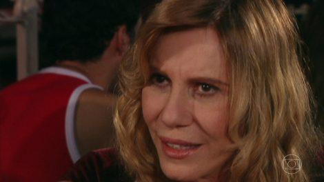 """Nazaré (Renata Sorrah) em cena de """"Senhora do Destino"""" (Foto: Reprodução/Globo)"""
