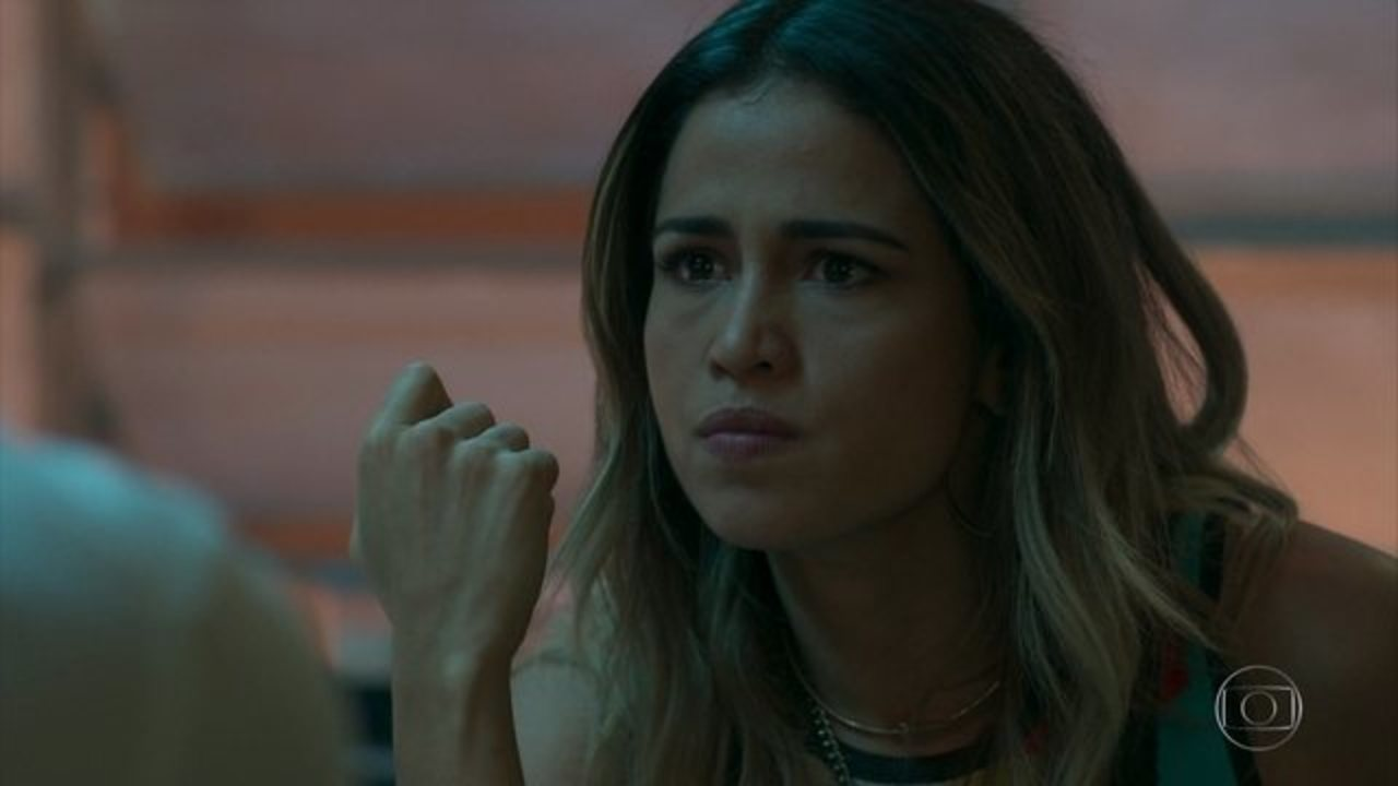 """Sandra Helena (Nanda Costa) em cena de """"Pega Pega"""" (Foto: Reprodução/Globo)"""