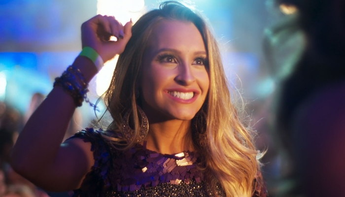 """Carine (Carla Diaz) em cena de """"A Força do Querer"""" (Foto: Divulgação/Globo)"""