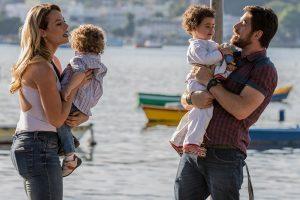 """Jeiza (Paolla Oliveira) e Zeca (Marco Pigossi) têm final feliz em """"A Força do Querer"""" (Foto: Fábio Rocha/Globo)"""