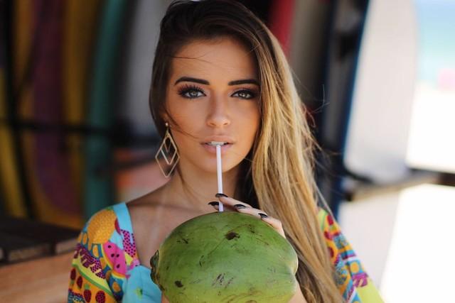 Famosos. Foto do site da O TV Foco que mostra Anna Rita Cerqueira revela como deixou o cabelo mais firme e forte