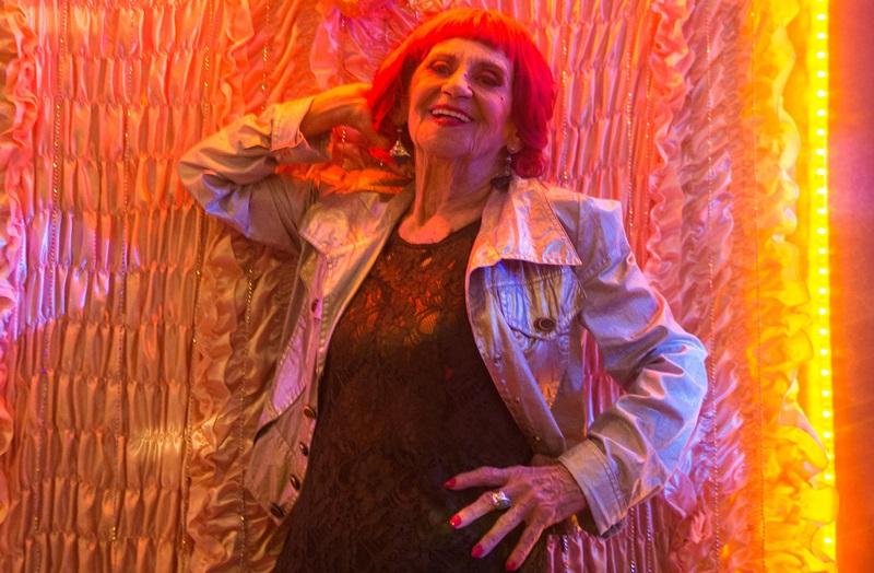 laura Cardoso interpreta a divertida Caetana em O Outro Lado do Paraíso (Foto: Raquel Cunha/Globo)