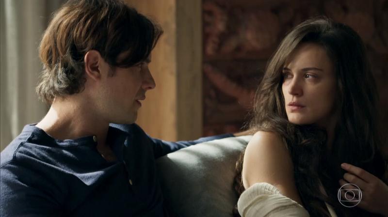 """Gael (Sergio Guizé) e Clara (Bianca Bin) em cena de """"O Outro Lado do Paraíso"""" (Foto: Reprodução/Globo)"""