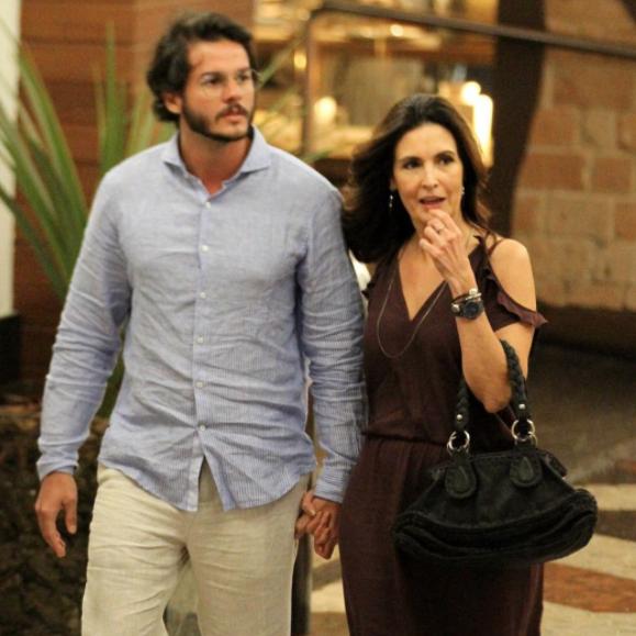 Fátima Bernades é flagrada com novo namorado