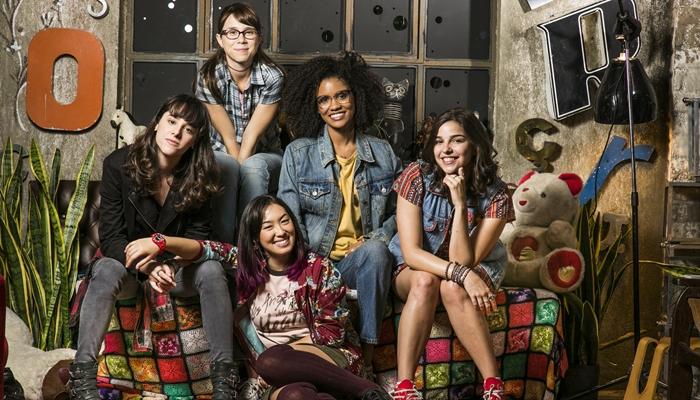 Lica (Manoela Aliperti), Benê (Daphne Bozaski), Tina (Ana Hikari), Ellen (Heslaine Vieira) e Keyla (Gabriela Medvedovski) (Foto: Globo/Sergio Zalis)