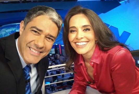 Carla Vilhena com William Bonner no Jornal Nacional (Foto: Reprodução)