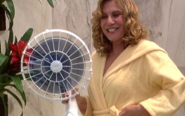 """Nazaré Tedesco (Renata Sorrah) em cena de """"Senhora do Destino"""" (Foto: Reprodução/Globo)"""