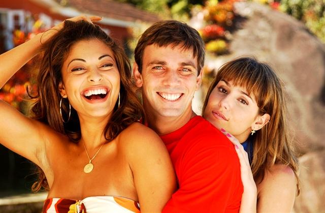 Jaqueline Joy (Juliana Paes), Vladimir (Marcelo Faria) e Darlene (Deborah Secco) em Celebridade (Foto: Globo/João Miguel Júnior)