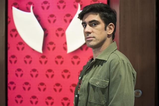 Marcelo Adnet durante esquete no Adnight Show (Foto: Globo/Cesar Alves)