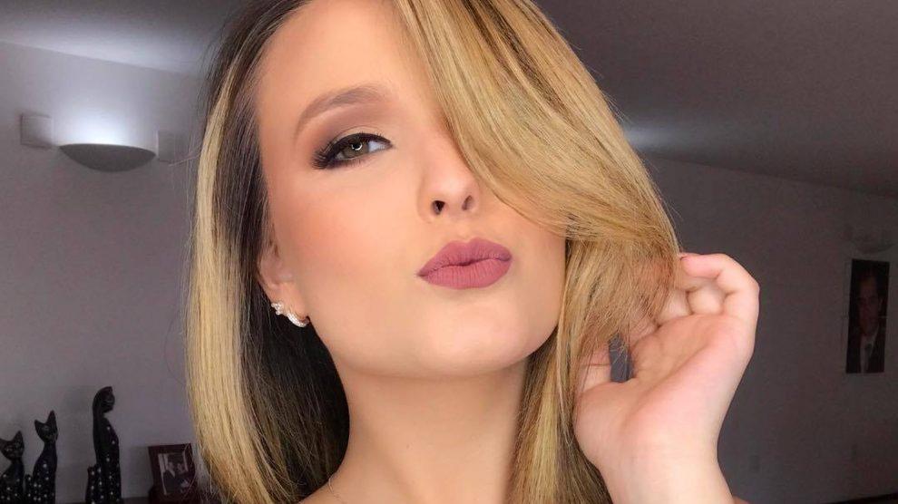 537aa3d3c7d19 Aos 16 anos, Larissa Manoela aparece turbinada no Instagram e recebe  críticas – TV Foco