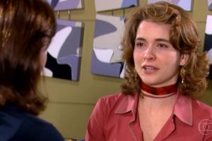 Laura (Claudia Abreu) em cena do primeiro capítulo de Celebridade (Foto: Reprodução/Globo)
