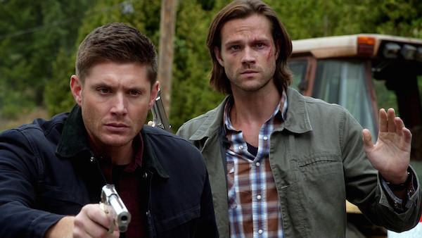 Dean Winchester e Sam Winchester na primeira temporada de Sobrenatural (Foto: Divulgação)