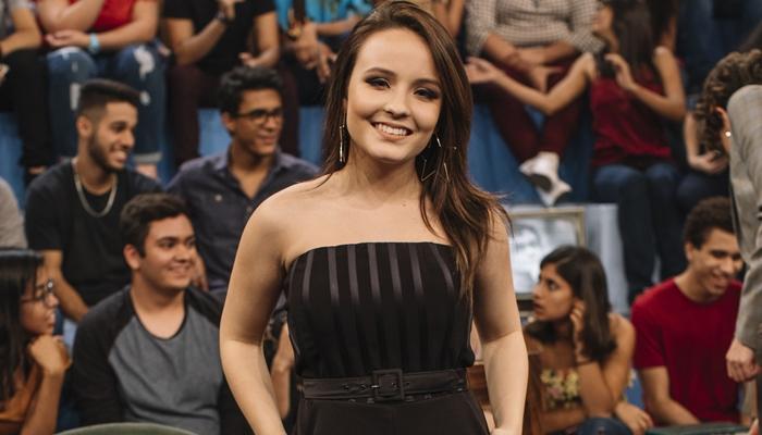 Larissa Manoela durante participação no Altas Horas (Foto: Globo/Júlia Rodrigues)
