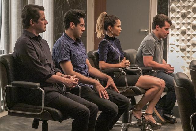 Malagueta, Agnaldo,  Sandra Helena e Júlio em cena de Pega Pega (Foto: Globo/Paulo Belote)