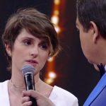 A atriz Carol Duarte no palco do Domingão (Foto: Reprodução/Globo)