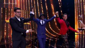 Jonathan Azevedo também ganhou prêmio no Domingão (Foto: Reprodução/Globo)