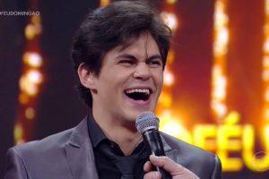 O humorista Lucas Veloso vai reforçar o elenco do novo Domingo Show (foto: reprodução/TV Globo)