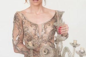 Ana Furtado. Foto do site da O TV Foco que mostra Ana Furtado se posiciona sobre compra de lustre que custa R$ 30 mil
