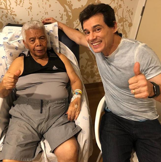 Foto publicada por Celso Portiolli visitando o Roque no hospital (Foto: Reprodução/ Instagram)