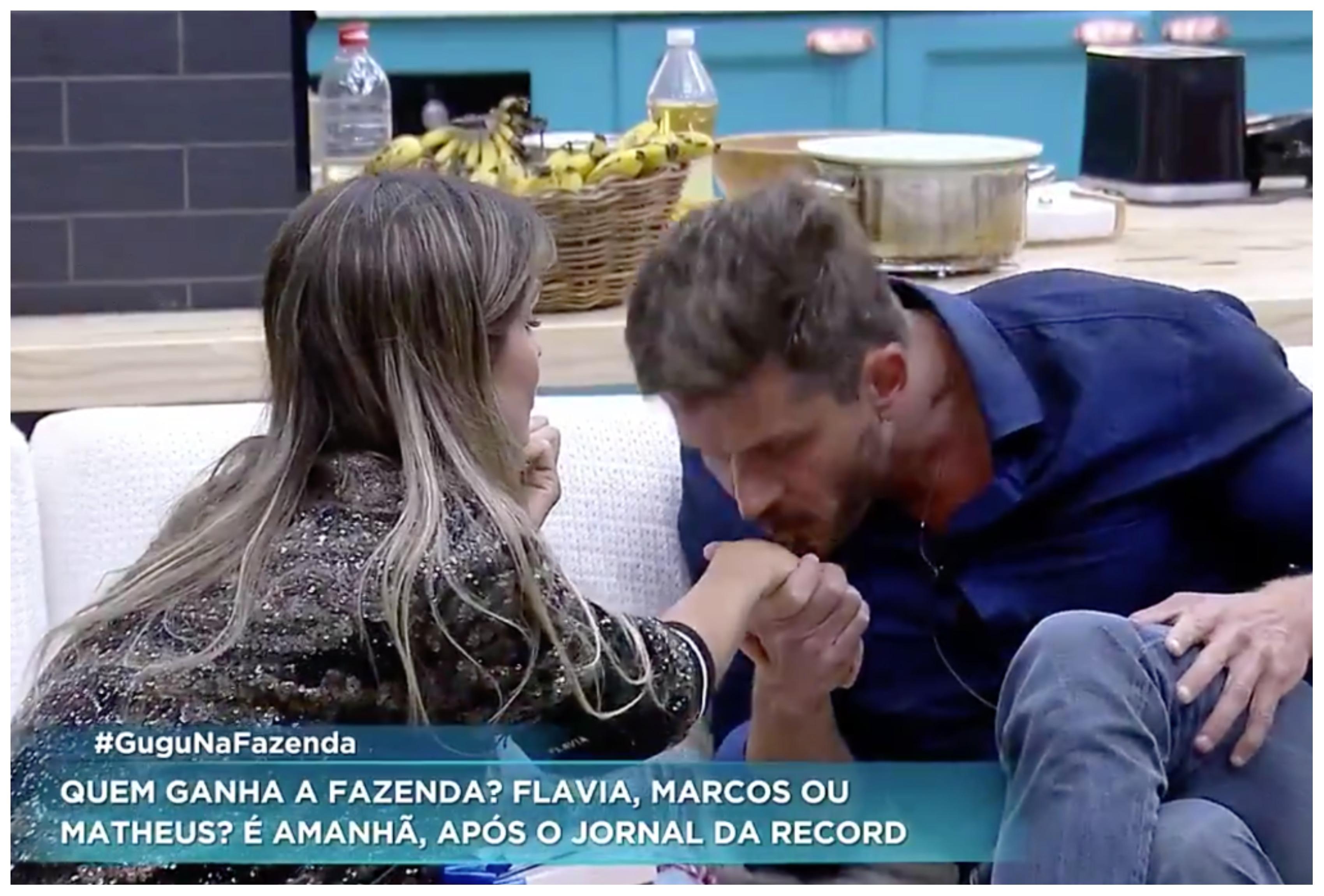 Marcos Harter beija mão de Flávia Viana na Fazenda (Foto reprodução)
