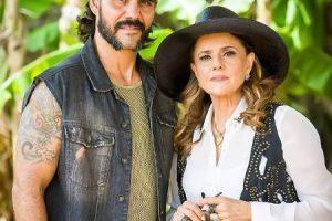 """Lado. Foto do site da O TV Foco que mostra Par de Marieta Severo em O Outro Lado do Paraíso, Juliano Cazarré brinca: """"Dona Nenê pira"""""""