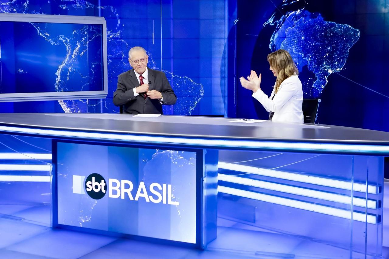 Joseval Peixoto ao lado de Rachel Sheherazade em seu último SBT Brasil (Foto: Gabriel Cardoso/SBT)
