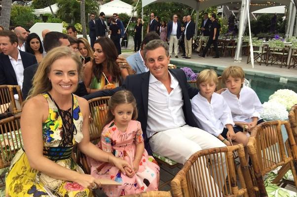 Huck e Angélica com os filhos (Foto: Divulgação)