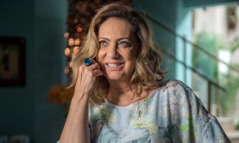 Nádia (Eliane Giardini) em cena de O Outro Lado do Paraíso. (Foto: Divulgação/Raquel Cunha)