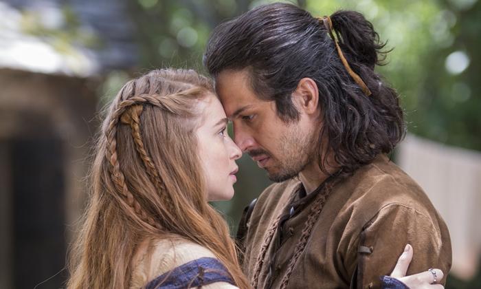 Hoje em Deus Salve o Rei: Afonso declara seu amor por Amália