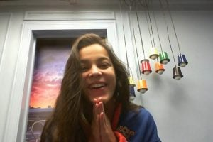Emilly durante Raio-X, no Confessionário do BBB17. Na edição do BBB18, o público terá acesso à câmera exclusiva no Globo Play (Foto: Reprodução)